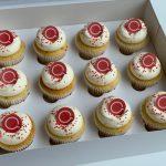 LOGO VANILLA Cupcakes (12)