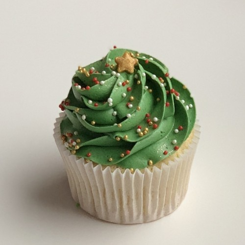 Christmas Tree Vanilla Cupcake