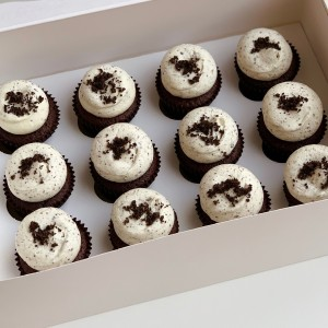Mini Chocolate Oreo Cupcake