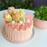 Deluxe Drip Cake 20cm