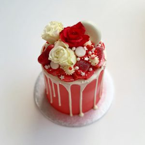 Deluxe Drip Cake 10cm in Red & White